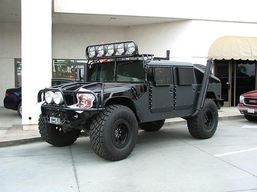 defender vs hummer. Land Rover D90 or Hummer H1?