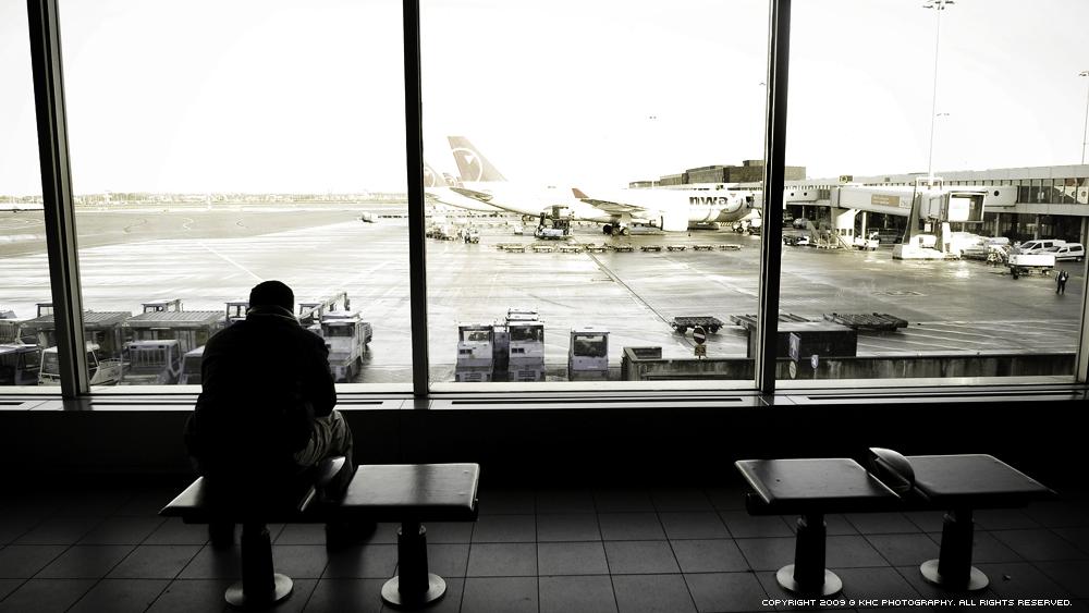 + 行 。 機場 +