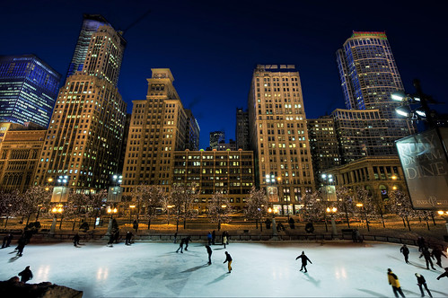 millennium park chicago, ice skating rink, outdoor, night, chicago skyline michigan avenue