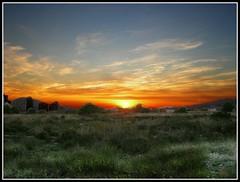 Atardecer en el campo (edomingo) Tags: valencia contraluz landscape atardecer paisaje alicante puestadesol ocaso benidorm nikoncoolpixp1 marinabaixa edomingo