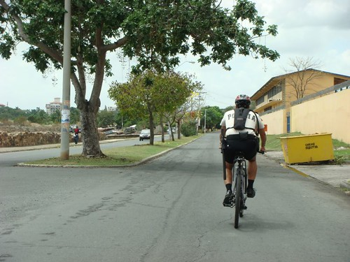 Upon leaving Panama City I got escorted by the local police for security reasons, on bikes too...