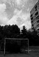 Sognando Hristo Stoičkov (Io guardo Sofia) (bellimarco) Tags: girl noir sofia soccer porno bn bulgaria bloc belli linea calcio mazzoni eppela