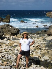 IMG_0165 (swchen) Tags: family coast aruba coastline crashingwave