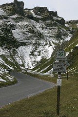 Winnats Pass (Wilf d'Lampy) Tags: road mountain snow sign easter sheep nt peakdistrict pass nationaltrust img0844 castleton winnatspass winnats