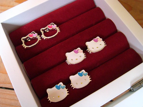 cheap hello kitty jewelry. Well, Hello Kitty! (Group)