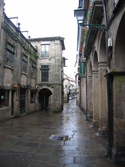 "Santiago Street • <a style=""font-size:0.8em;"" href=""http://www.flickr.com/photos/48277923@N00/2625575929/"" target=""_blank"">View on Flickr</a>"