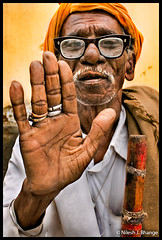 T H A N K S! (bnilesh) Tags: old people india senior flickrsbest indianstreetphotography 400d theperfectphotographer photoportraitworld