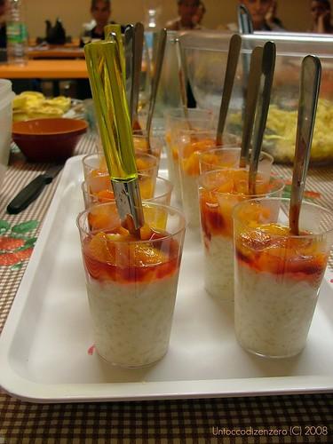 Bicchierini di riso alla vaniglia e composta di albicocche speziata
