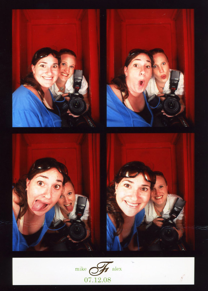 Zhipi & Chelsea Photobooth