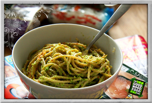 :: Asparagus and Garlic Pasta