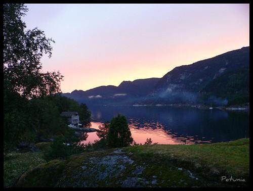 Solnedgang ved Sævareidfjorden