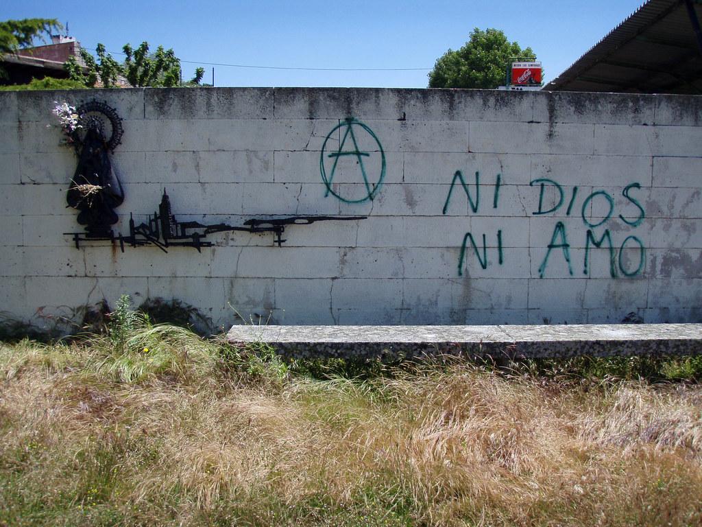 Monumento daquella manera tags graffiti picnic monumento iglesia virgin protesta vandalism anarchy reconciliation