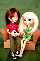 Happy couple. La parejita feliz (Monja  con  patines) Tags: dog cute love couple doll sage cedric pullip custom magdalena inmaculada sacralita taeyang