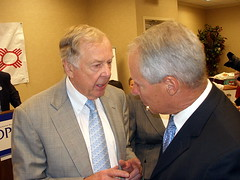 T. BOONE PICKENS CHATS WITH MAYOR MARTY