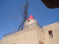 Il Mulino della Salina (piccolalayla) Tags: mare terra saline sicilia mulino trapani stagnone