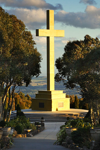 Mount Macedon, Victoria, Australia Memorial Cross IMG_1042_Mount_Macedon