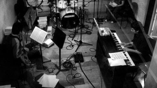 En una sesión grabando la Cantata 2008 de Javier Lobos