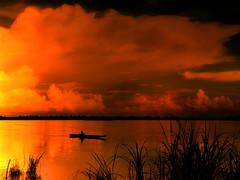 Mekong sunset (B℮n) Tags: halloween fishing fisherman topf300 laos topf100 500faves soe topf200 mekong happyhalloween vientiane topf400 topf500 fishersboat topf700 topf600 100faves 200faves outstandingshots 湄公河 abigfave 300faves anawesomeshot impressedbeauty aplusphoto lancangjiang holidaysvacanzeurlaub 400faves 600faves 700faves maenamkhong mêkông goldstaraward damniwishidtakenthat localfisherman goldenheartaward themekongriver boatislandpoetry fishingbeforesunset darkgoldglow