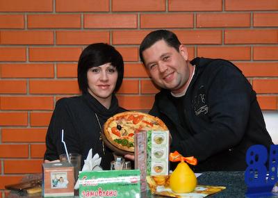 выиграли пиццу