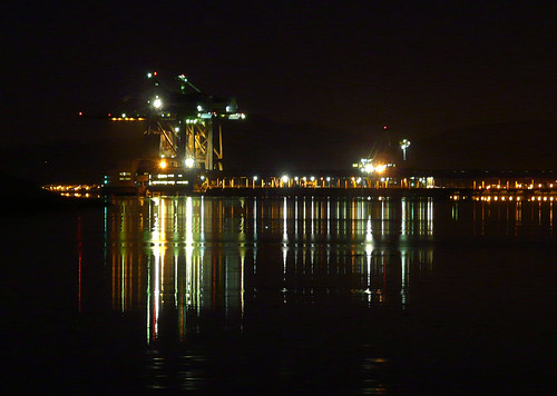 Clydeport at night 06Dec008