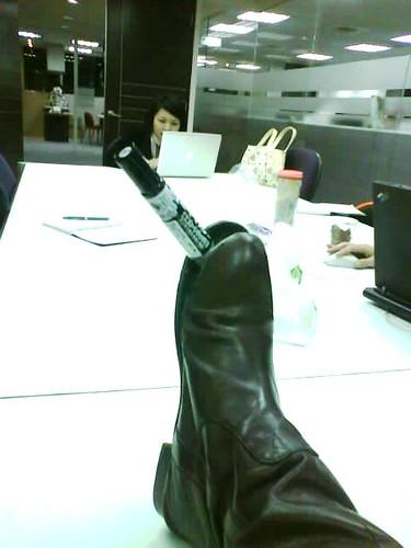 開口笑的靴子