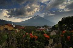 2008-10 Antigua 106 (blogmulo) Tags: travel sunset sky mountain clouds atardecer volcano agua maya guatemala antigua viajes cielo nubes montaa volcan blogmulo