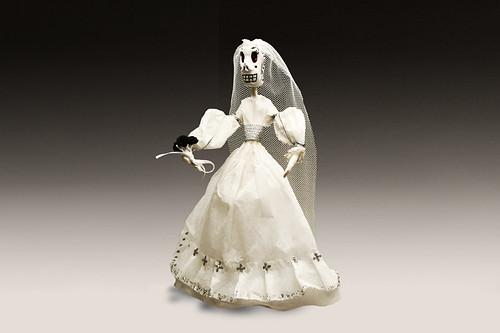 Catrina Vestida de Novia , Nada es Casualidad