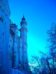 Rhapsody in cyan blue (Culdefeu) Tags: blue sara cyan rudy neuschwanstein 2008 natale castello rhapsody hohenschwangau mercatini culdefeu