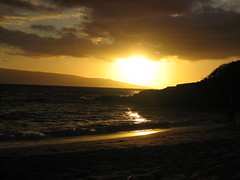 Sunset on the Big Beach (shaomai) Tags: sunset hawaii maui bigbeach 2009hawaii