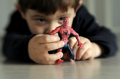Look out! Here comes the Spiderman. (mauspray) Tags: italy lensbaby toy kid hands nikon many spiderman composer gioco bambino montesilvano d300 uomoragno