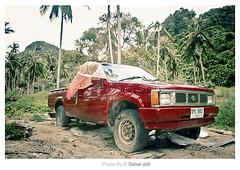 , (Nasser Bouhadoud) Tags: 2005 camera old trip red green car canon thailand island eos 350d phi phuket nasser qatar saher ناصر allil saherallil nutuer بوحدود