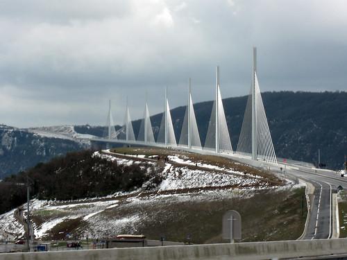 Viaducto Millau nevado