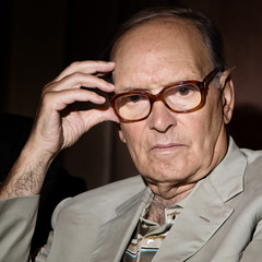 Morricone stands for Reportergimmi (Reportergimmi) Tags: music film oscar explorer musica movies awards academy soundtrack occhiali millenario tarantino ennio morricone bertolucci accademy sarsina compositore colonnasonora colonnesonore oscarallacarriera explorer125 explorer164 enniomorriconemorricone explorer314