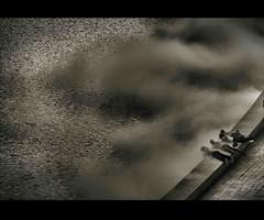 La curiosidad (cosas de niños) (Fernando Rey) Tags: look rio fog river de looking niños bilbao mirar childs curiosity humo soe niebla ria curiosidad