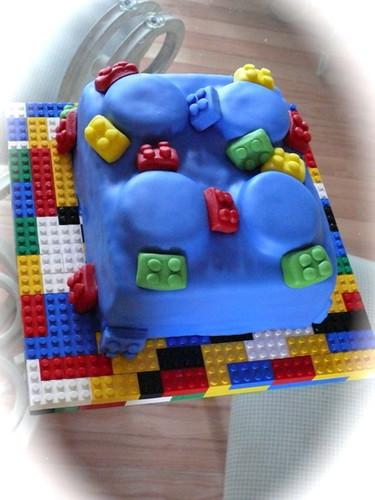 Lego cake in fondant