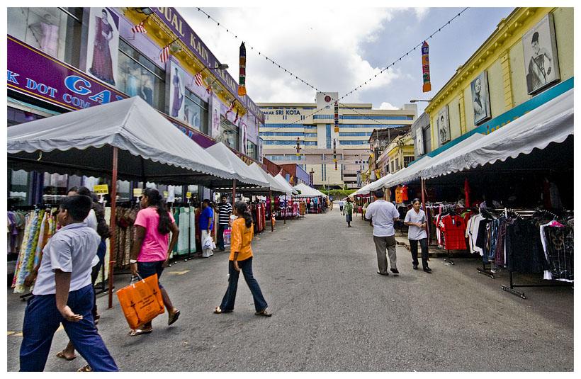 Deepavali stalls near Gayathri Klang