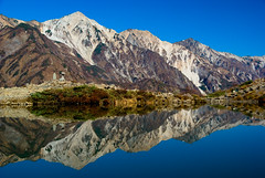 An autumn mountain - reflection (takay) Tags: autumn mountain reflection fall japan landscape searchthebest bluesky nagano beautifulscenery fallscenery   happou favemegroup7 takay   vosplusbellesphotos mtkaramatsu mtshirouma