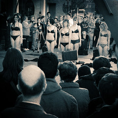 Chicas y abuelos - Girls and seniors (Josean Pablos) Tags: hot sex nude erotic calendar models modelos sexo voyeur chicas nudity undies vitoria abuel