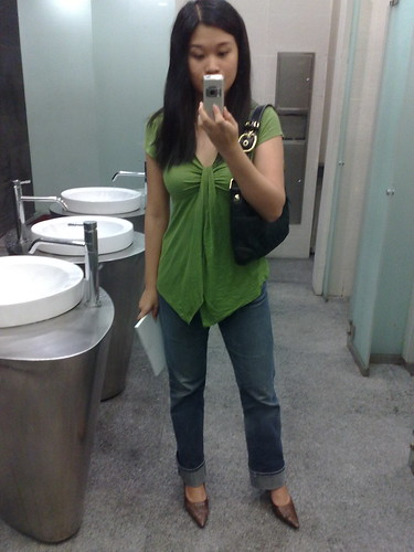 Camwhoring in the toilet.