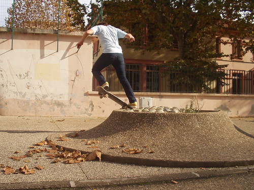 Backside nosepick to fakie