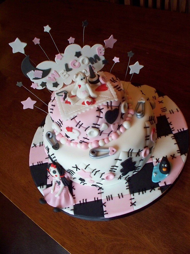 Emo Quilt Cake Andreas SweetCakes Tags Pink Cloud Moon White Black Stars