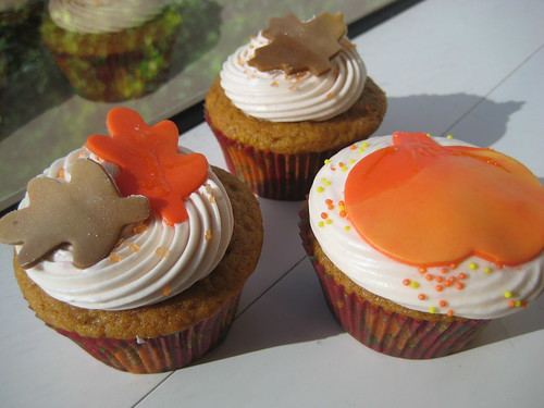 images of thanksgiving cupcakes. Thanksgiving cupcakes. Photo Credit: Meringue Bake Shop