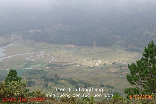 4316 tren dinh LangBiAng nhin` xuong' by you.