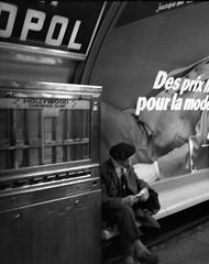 1978 Paris (Dave Glass, Photographer) Tags: paris 1978 parismetro beret minoltasr2 sabastopol metrosabastopol