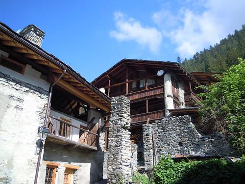 Ste-Foy-Tarentaise, maison à colonnes, © D. Dereani, fondation Facim