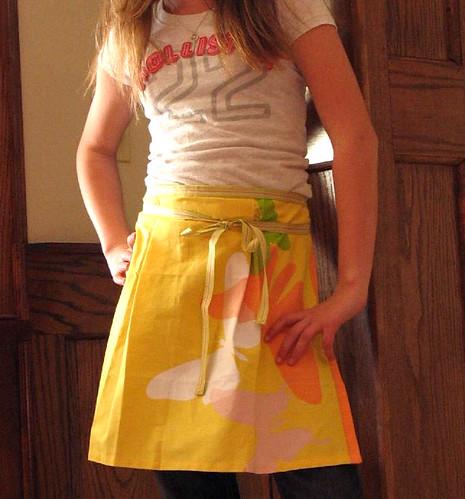 apron for big sister - miniswap 3