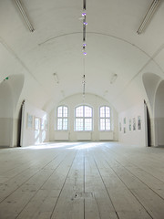 White space (Sameli) Tags: light white building art suomi finland hall helsinki gallery arch floor space room sunny