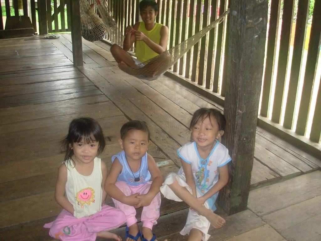 Sarawak-Belaga-LHouses (215)