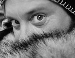 Beppe Mora (kilometro 00) Tags: street portrait people urban bw italy portraits photography casa strada italia foto streetphotography streetportrait bn persone occhi sguardo e donne urbano poesia sorriso racconto ritratti bianco ritratto nero viso biancoenero treviso citt urlo occhiali uomini luoghi emozioni veneto volto suono sorrisi sguardi visione espressione baffi urbani emozione trevision beppemora fotografidistrada