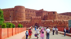 The Fort of Agra (*Gaurhav H Atri*) Tags: noida india self photo agra visitor ironrailings akbar asi redfort uttarpradesh mughals mughalarchitecture archaeologicalsurveyofindia sidewalls sonydscs600 worldheritagemonument peoplefriendly unescoworldheritagemonument visitorfriendly gaurhavhatri gaurhav gauravatri jmagaurhav